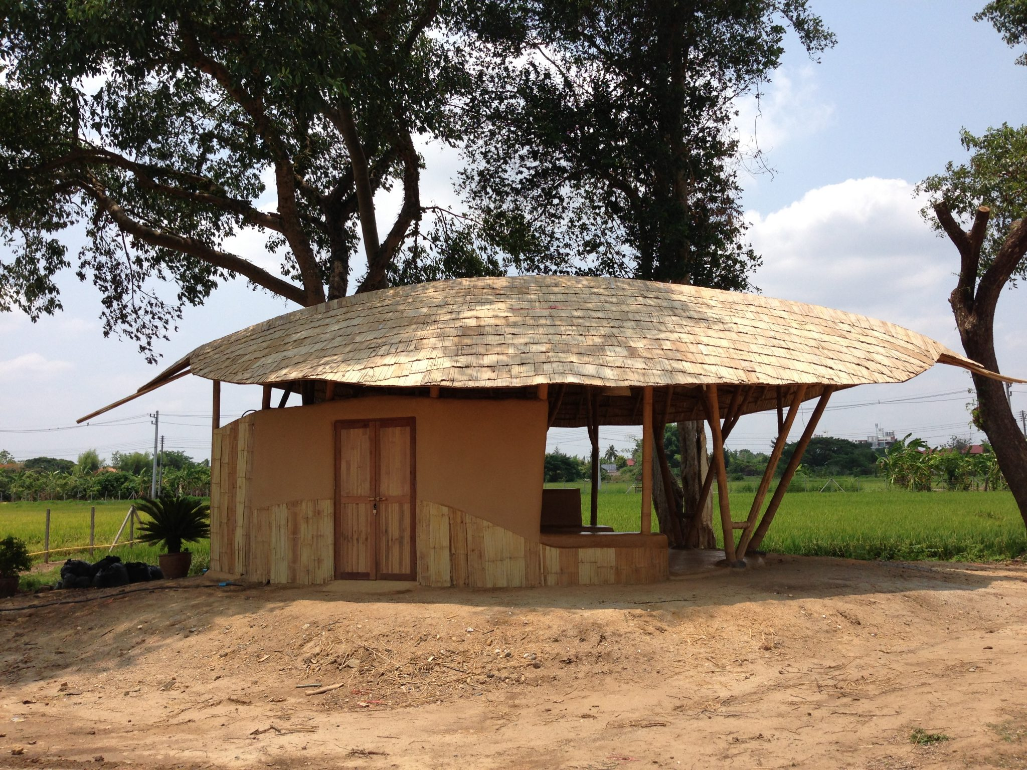 Adobe Garden Hut With Freeform Bamboo Roof Bamboo Earth