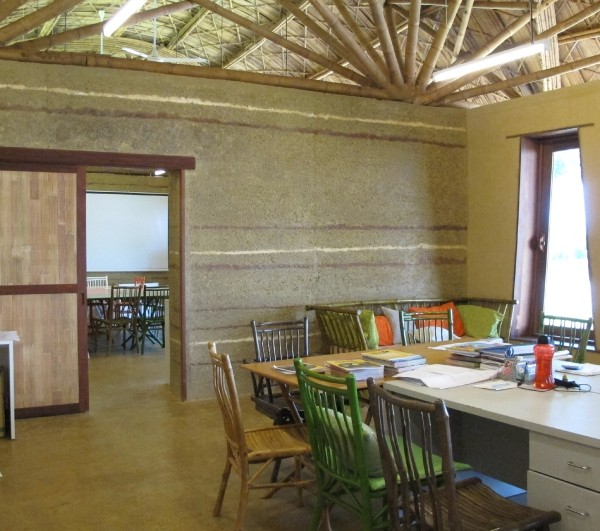 Office With Rammed Earth Wall And Floor 3