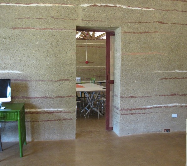 Office With Rammed Earth Wall And Floor 6