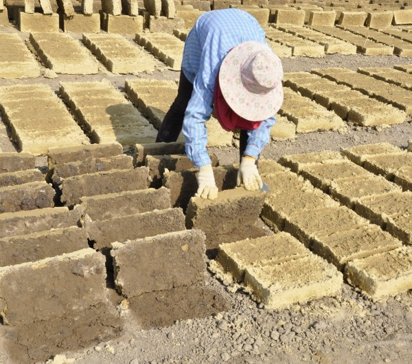 Earth Building: Adobe Bricks